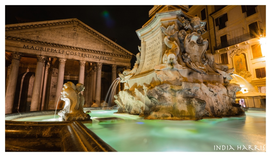 Fountain in front of the Pantheon